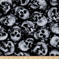 Timeless Treasures Skulls Black from @fabricdotcom  Designed for Timeless Treasures, this cotton print fabric is perfect for quilting, apparel and home decor accents. Colors include black, white, and shades of grey.