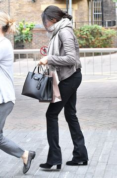 0cfcc5fe20 Meghan Markle spotted Christmas shopping in London