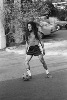 Bob Marley, 56 Hope Road, Kingston, Jamaïque. Photo de Johnny Black. 1979.