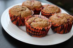 Flourless Tart Cherry Oatmeal Muffins on theadventuresofnutrigirl.wordpress.com