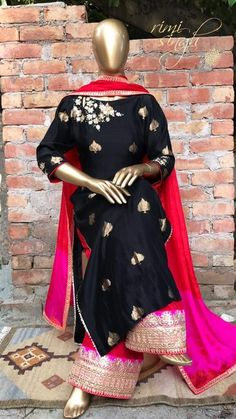 "A good painter only needs three colours. Black, White and Red ""Red"" Festive Regalia 2017 Rimi Singh Label Black banarasi chanderi… Pakistani Dresses, Indian Dresses, Indian Outfits, Indian Attire, Indian Wear, Ethnic Fashion, Indian Fashion, Desi Clothes, Asian Clothes"