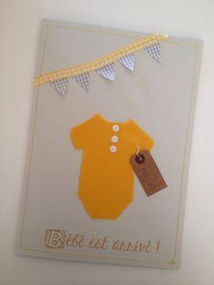 """Faire part de naissance fait main mixte  Body jaune découpé dans du tissus pour ameublement, étiquette marron """"bonheur parfait"""" fait au tampon encreur  fanion en ruban jaune et tissus a carreau pour les drapeaux!"""