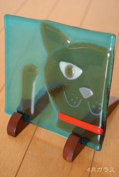 ガラスフュージングという技法で作ったガラスの飾りパネルです。|ハンドメイド、手作り、手仕事品の通販・販売・購入ならCreema。
