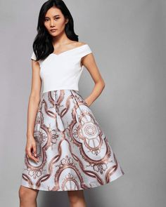 Discover women's occasion dresses at Ted Baker. From parties to black tie events, these special occasion outfits are sure to impress. Formal Dresses For Women, Elegant Dresses, Nice Dresses, Dresses With Sleeves, Baby Blue Dresses, Panel Dress, Short Cocktail Dress, Printed Skirts, Designer Dresses