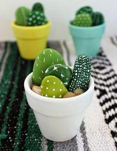 Steine in Kakteen verwandeln für originelle, künstliche Pflanzen Arts & Crafts, Diy And Crafts, Diy Crafts Simple, Crafts At Home, Diy Upcycled Crafts, Best Crafts, Home Craft Ideas, Easy Kids Crafts, Diy Crafts Desk