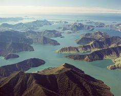 Pelorus Sound, Marlborough, The South Island, New Zealand The Beautiful Country, Beautiful World, Marlborough New Zealand, Wonderful Places, Beautiful Places, Marlborough Sounds, New Zealand Houses, Scenic Photography, South Island