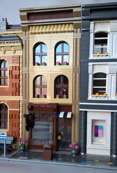 A new year, a new façade for the law offices of Dewey Cheetum and Howe Minecraft City Buildings, Lego City, Lego Modular, Modular Office, Lego Design, Modular Design, Lego Building, Building Ideas, Brick In The Wall