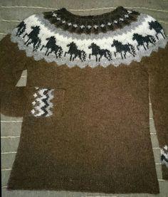 Sweater Knitting Patterns, Knit Patterns, Woolen Dresses, Icelandic Sweaters, Horse Pattern, Fair Isle Pattern, Crochet Projects, Knit Crochet, Couture