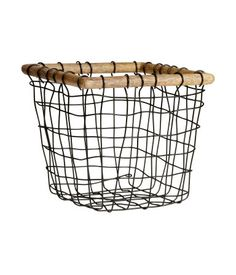 Small Wire Basket With Wooden Rim At Top. Size 6 X 6