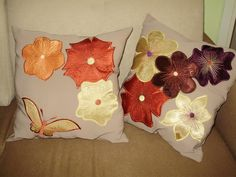 Serika Design offer beautiful handmade, embroidered and patchwork home accessories, hand bags and gifts. All products are made in Surrey with love. Applique Cushions, Handmade Home, Home Accessories, Gift Wrapping, Throw Pillows, How To Make, Gifts, Beautiful, Design