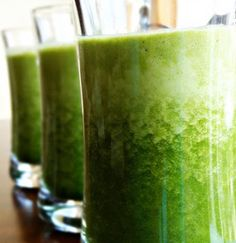 Zielone koktajle: kapusta + jabłka + cytryna