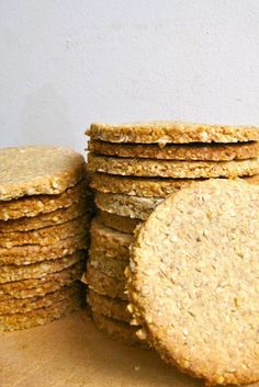 In Scotland I had the pleasure of eating homemade oatcakes at The Steading cafe . - In Scotland I had the pleasure of eating homemade oatcakes at The Steading cafe in Keith. Scottish Oat Cakes, Scottish Recipes, Irish Recipes, Scottish Decor, Savoury Biscuits, Gluten Free Recipes, Cookie Recipes, Oat Bran Recipes, Free Food