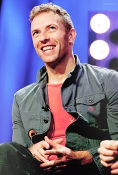→ 38/ ∞ pictures of Chris Martin
