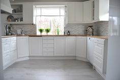 . Sweet Home, House Ideas, Kitchen Cabinets, Corner, Home Decor, Kitchen White, Kitchens, Thoughts, Home