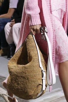 49 Adorable Wicker Bags That Will Never Out In Style #women fashion # #WickerBags #WickerBagsThatWillNeverOutInStyle #women fashion