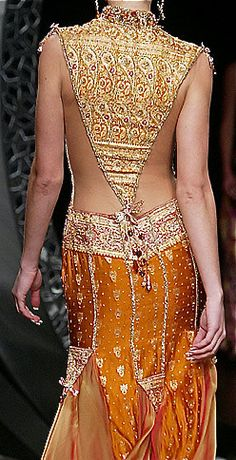 Sexy back to a lehenga