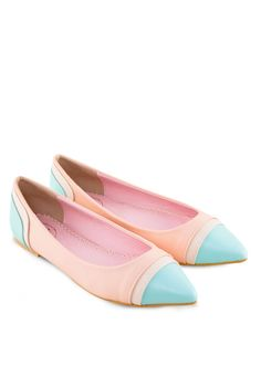 SHU Tri Colour Pointy Flats 尖頭平底鞋 (HKD 184.00)