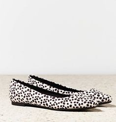 American Eagle Outfitters animal-print pointed-toe shoes