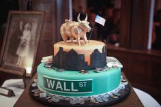 Wall Street Cake 46 Ideas For 2019 Money Birthday Cake, Boss Birthday, Cake Stock, Iced Mocha, Birthday Cake Decorating, Apple Cake, Wall Street, Themed Cakes, Quick Easy Meals