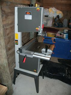 """14"""" Band Saw  http://www.wackywoodworks.co.nz/tools/toolshed_bandsaw.php"""