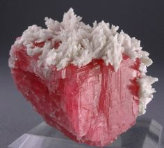 Manganocalcite crystals on Rhodochrosite - China