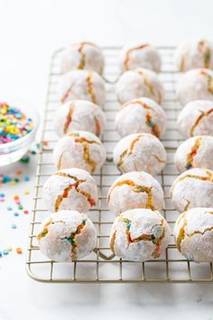 fun Amaretti Cookie Recipe, Amaretti Cookies, Almond Cookies, Cookie Flavors, Cookie Recipes, Dessert Recipes, Desserts, Colored Cookies, Rainbow Sprinkles