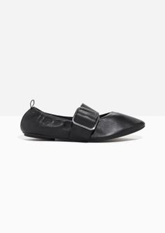 & Other Stories | Buckled Leather Ballet Flat