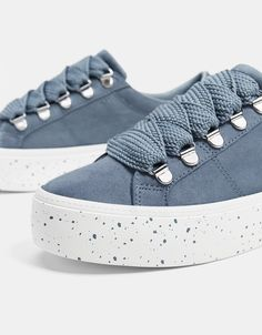 Platform sneakers with XL laces - Bershka  fashion  product  shoes  zapatos    3c2cfd21101e7