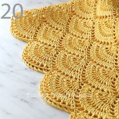 Get free beach tote crochet pattern in beautiful giant shell stitch design. Crochet with exotic straw raffia yarn, perfect for summer & beach activity. Crochet Beach Bags, Crochet Market Bag, Crochet Tote, Crochet Handbags, Crochet Purses, Crochet Stitches, Crochet Pattern Free, Crochet Diagram, Knitting Patterns