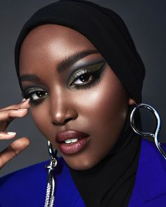 Makeup Inspo, Beauty Makeup, Eye Makeup, Winter Lipstick, Dark Makeup Looks, Fashion Editorial Makeup, Makeup Course, Beauty Shoot, Photo Makeup
