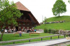 Haflinger Zentrum - Hochzeitslocation in Trachselwald Dolores Park, Sidewalk, Travel, Centre, Farmhouse, Viajes, Side Walkway, Walkway, Destinations