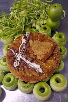 Ανάποδη μηλόπιτα με κραμπλ λευκής σοκολάτας | ION Sweets