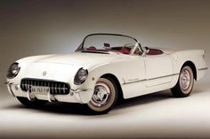 1953 Corvette: first year the Corvette was released. Built to contend with the European sports cars of it's time. The 1953 Corvette fared very well. Classic Sports Cars, Classic Cars, Chevrolet Corvette, 1957 Chevrolet, Us Cars, Sport Cars, Sport Sport, General Motors, Volvo