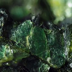 Cassidyite, Ca2(Ni,Mg)(PO4)2•2(H2O). Otway Nickel Deposit, Pilbara Region, Western Australia, Australia. 0.7 × 0.6 × 0.4 cm