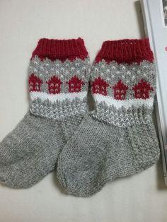 tupasukat Knitting Charts, Sweater Knitting Patterns, Knitting Socks, Crochet Crafts, Yarn Crafts, Knit Crochet, Lots Of Socks, Handgestrickte Pullover, Knit Art