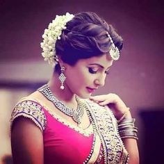 New Ideas simple bridal makeup indian beautiful Indian Wedding Hairstyles, Bride Hairstyles, Trendy Hairstyles, Hairdos, Wedding Looks, Bridal Looks, Wedding Simple, Wedding Bun, Wedding Story