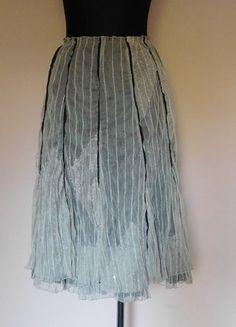Kup mój przedmiot na #vintedpl http://www.vinted.pl/damska-odziez/spodnice/15956532-dik-tons-spodnica-midi-koronka-42-44