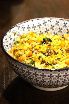 """""""Couscous"""" de Couve flor com Cenoura, Coentros e Azeitonas - http://gostinhos.com/couscous-de-couve-flor-com-cenoura-coentros-e-azeitonas/"""