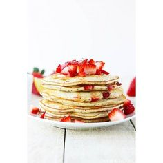 Strawberry Lemon Poppyseed Pancakes ❤ liked on Polyvore featuring food and food and drink