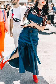 Ways to wear your old bridesmaid dress Nyfw Street Style, Street Style Trends, Street Chic, Street Wear, Girl Fashion, Womens Fashion, Fashion Tips, Fashion Trends, Milan Fashion