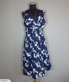 Veronika Maine | Lovely Print Dress (14-16*) | Trade Me Enlarge Photos, Nice Dresses, Summer Dresses, Close Up Photos, Maine, Black And Grey, Fashion Outfits, This Or That Questions, Youtube