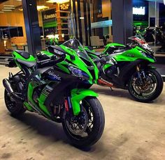 Una de las joyas de este 2015 la nueva Kawasaki Ninja de Superbikes...Una maravilla