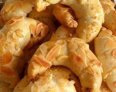 tcharek gateaux algeriens croissants aux amandes pâte sans levure