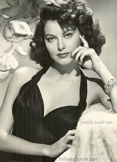 Photo by Clarence Sinclair Bull, - Photography - Ava Gardner. Photo by Clarence Sinclair Bull, – - Hollywood Icons, Old Hollywood Glamour, Golden Age Of Hollywood, Vintage Glamour, Vintage Hollywood, Vintage Beauty, Hollywood Actresses, Classic Hollywood, Hollywood Star