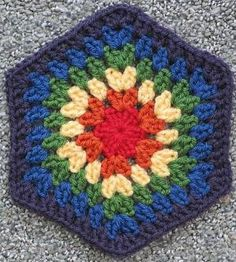 """""""Ruby"""" hexagon, free pattern from Nova Seals. An easy granny hex; seven rounds using 10-ply worsted & hook size 'G' makes an 8-inch hex. #crochet #motif by Divonsir Borges"""