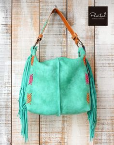 Bolso de cuero Boho, bolso tribal con flecos, bolso hippie con bordado, bolso Aqua Brown hobo purse with fringes perfect for your everyday activities. You can select other colors below the price. Mochila Hippie, Leather Bag Tutorial, Large Crossbody Bags, Hippie Bags, Suede Handbags, Leather Bags Handmade, Hobo Bag, Leather Purses, Fashion Bags