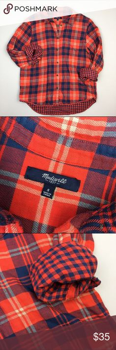Madewell plaid lined shirt This is double layer shirt. Very soft, warm and casual. Good condition just to be safe. Madewell Tops Button Down Shirts