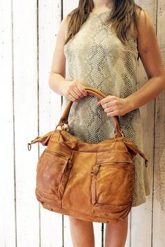 Fantastica borsa in pelle invecchiata a mano di LaSellerieLimited