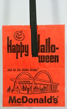 Vintage Halloween McDonald's trick or treat bag Paper Halloween, Vintage Halloween, Trick Or Treat Bags, Halloween Trick Or Treat, Paper Shopping Bag, Museum, Treats, Trick Or Treat, Sweet Like Candy
