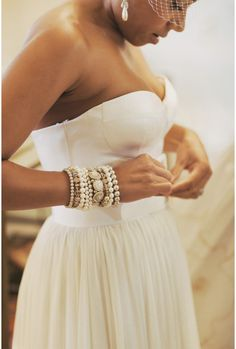 stacked pearls - I need to put this look together. Hippie Style, Looks Style, Style Me, Classy Style, Glamour, Modelos Fashion, Fru Fru, Pearl And Lace, Inspiration Mode